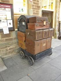 luggage-996574_1920
